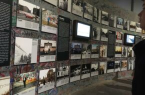 Ausstellung Vor Dem Mauerpanorama 1